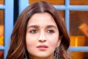 Can any astrologer analyse the chart of the actress Alia Bhatt?