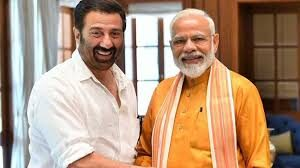 Can the birth chart of Bollywood actor and politician Sunny Deol be analyzed?