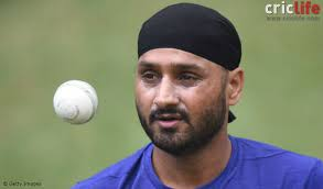 Can the birth chart of cricketer Harbhajan Singh be analyzed?